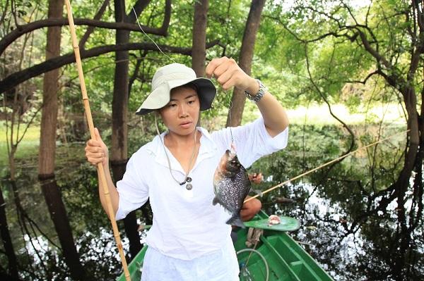 在亚马逊钓食人鱼