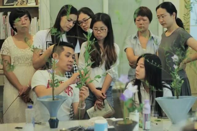 吴尚洋在分享花艺