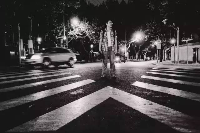 大蒋在凌晨的街头