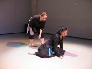 排练莎士比亚作品《堤摩拉》,伊娜自编自导自演