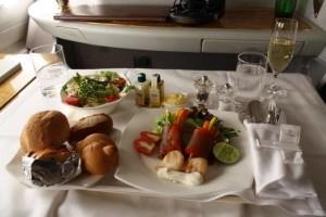 阿联酋航空的飞机餐带来的震撼让他难忘