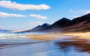这是三毛曾经踏足过的那片海,也是他梦醒的地方