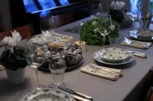 每年陈楠都要为圣诞餐桌装饰动一番心思