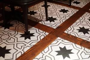 马里昂巴咖啡馆的地板