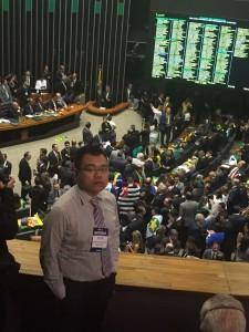 2016年4月,巴西国会众议院内,罗塞夫总统弹劾投票进行中