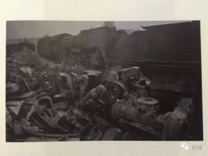蒸汽机车拆除 1997年吴平关作品